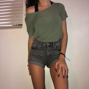 xs Tillys t-shirt